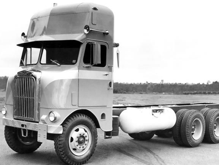 Black and white phot of a 1953 semi truck